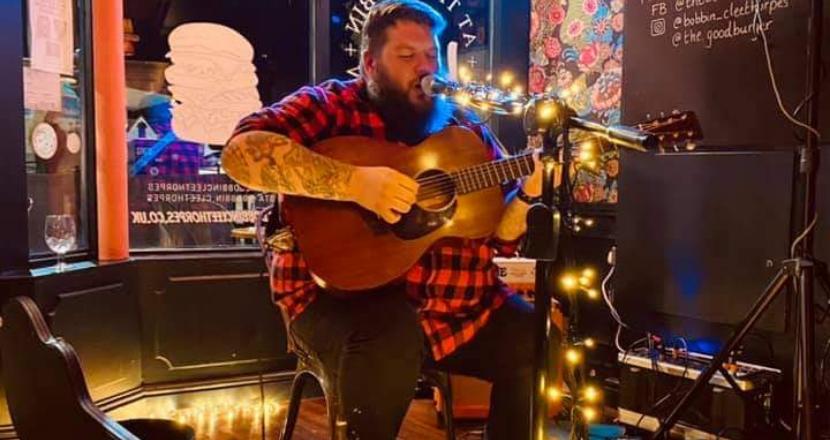 acoustic singer performing